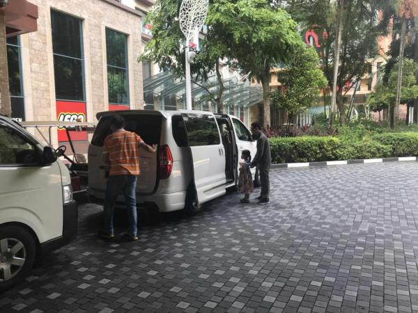 Illegal Malaysia Pick Up Service in SG