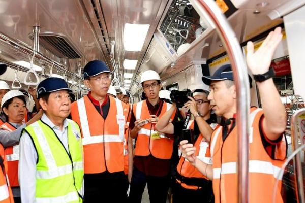 SMRT CEO gives up car for MRT Rides
