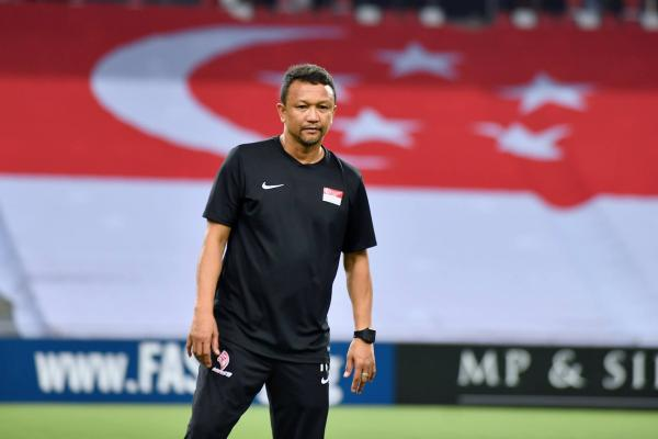 Singapore coach and icon Fandi appeals for fans to watch Lions