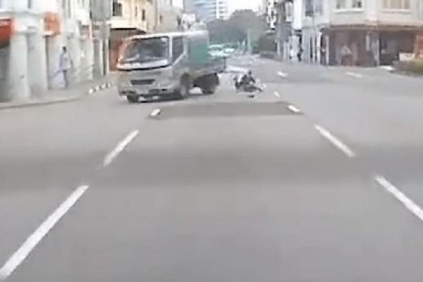 64 year old jaywalker knocked down by lorry at Jalan Besar