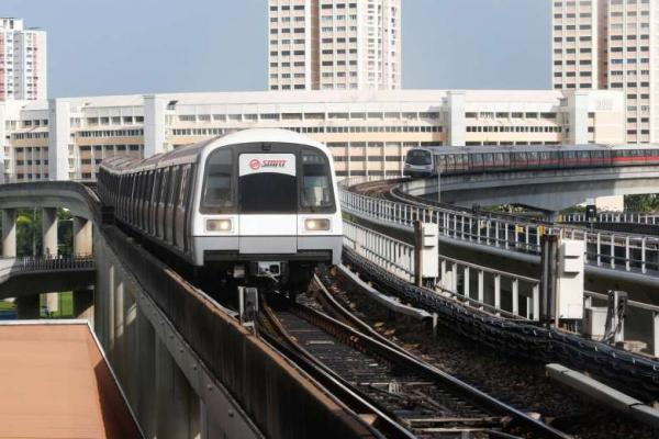 SMRT staff injured on track during maintenance works, causes delay on EW Line