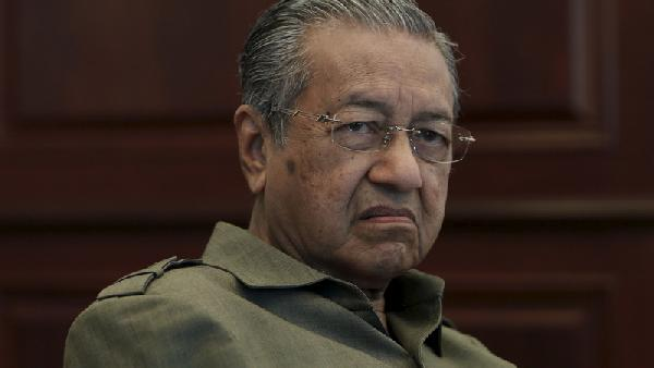 Mahathir plays the same card again, brings up water price agreement again