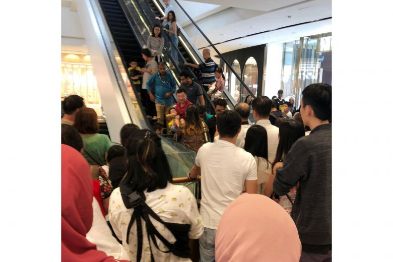 Jewel escalator accident, 5 year old boy suffered minor toe cut