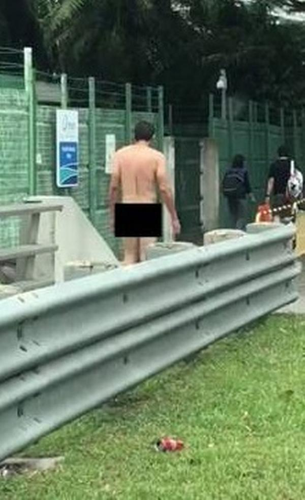 Students at Pasir Ris bus stop given eyeful as naked man takes a stroll
