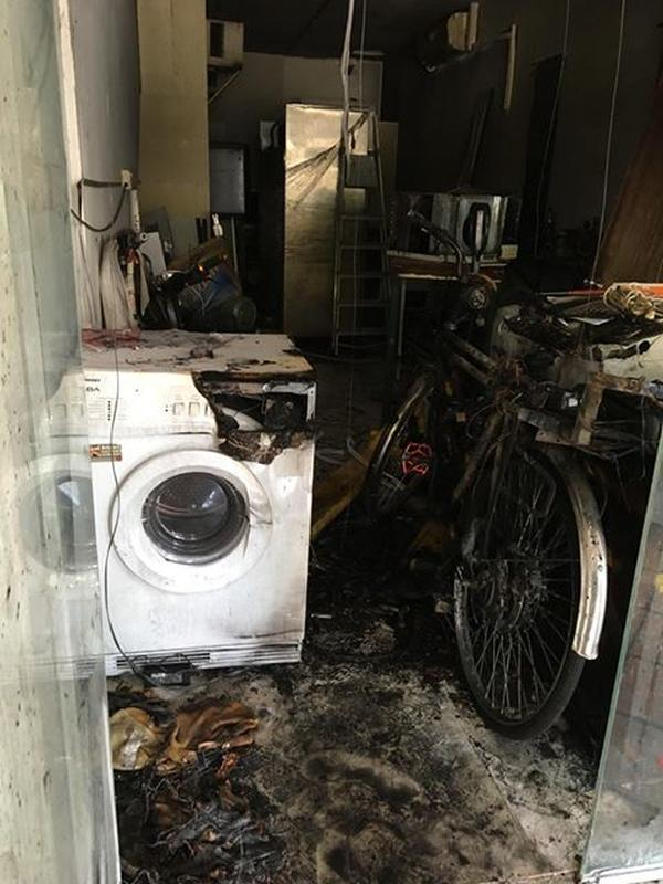 Ebike caught fire at Geylang, baby taken to hospital for smoke inhalation